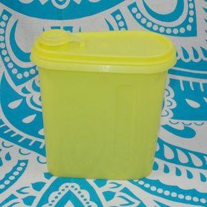 Vintage Tupperware Yellow Beverage Buddy Flip Top